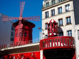 Moulin Rouge Paris//List Maker Picture Taker
