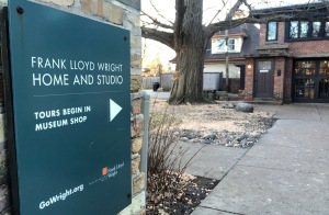 Day Trip to Oak Park, IL //Frank Lloyd Wright Home and Studio in // List Maker Picture Taker