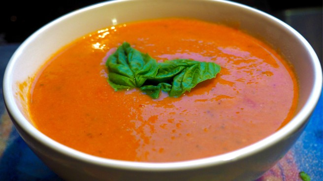 Creamy Tomato Basil Soup recipe//List Maker Picture Taker