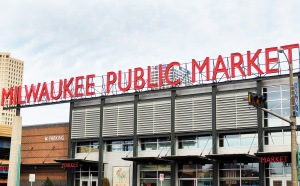 Milwaukee Public Market//Day Trip Milwaukee//List Maker Picture Taker