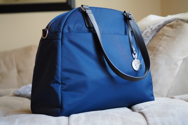 Review: Lo & Sons OMG Bag//List Maker Picture Taker